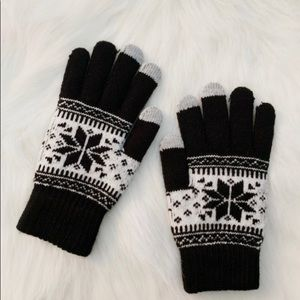 Accessories - 3/$30 New Phone gloves